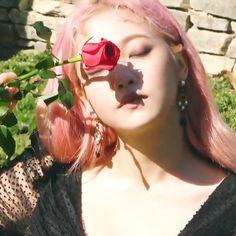 Red Valvet, Kim Yerim, Cosplay, Only Girl, Dark Beauty, Girls Generation, Girl Group, Mirrored Sunglasses, Redvelvet Kpop