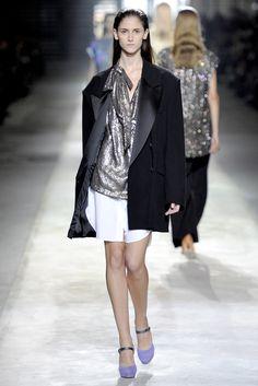 Dries Van Noten Spring 2011 Ready-to-Wear Fashion Show - Daiane Conterato (Elite)