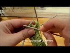 *VIS MER* For garn, pinner og maskeantall. Hvordan strikke en god gammeldags hæl :) Det finnes mange måter å strikke hæl på. Denne metoden lærte jeg av min o...