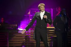 Review and pictures: Barry Manilow, The One Last Time Tour, BIC (From Bournemouth Echo)