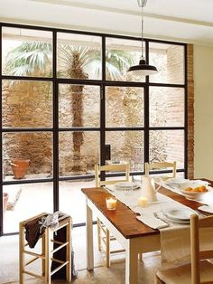 Interior design ideas, home decorating photos and pictures, home design, and contemporary world architecture new for your inspiration. Farmhouse Dining Room Table, Dining Room Table Decor, Dining Room Walls, Dining Room Design, Design Room, Patio Dining, Room Chairs, Table Furniture, Dining Area