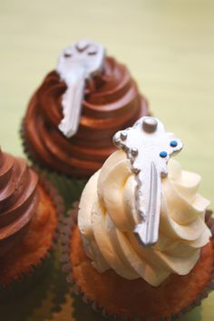 Key Cupcakes... Repined by www.movinghelpcenter.com Follow us on Facebook and get 15% off when renting a Budget Truck!
