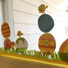 Ikkunakoriste. lasten   askartelu   pääsiäinen   käsityöt   koti   paperi   DIY ideas   kid crafts   Easter   home   paper crafts   Pikku Kakkonen