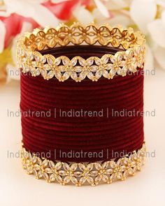 Indian Bridal Jewelry Sets, Indian Jewelry Earrings, Bridal Bangles, Jewelry Design Earrings, Antique Jewellery Designs, Fancy Jewellery, Stylish Jewelry, Gold Bangles Design, Bangle Set