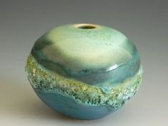 Jan Lewin-Cadogan - Bils and Rye Ceramic Mugs, Ceramic Pottery, Pottery Art, Stoneware, Pottery Ideas, Inside Design, Ceramic Artists, Decorating On A Budget, Decorative Bowls