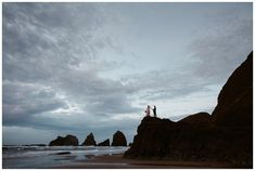 Engagement photos in Oceanside on the Oregon Coast by Katy Weaver