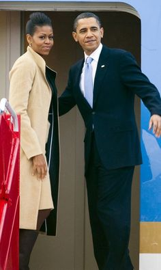 President Barack Obama and First Lady Michelle Obama Presidents Wives, Black Presidents, Greatest Presidents, Mr Obama, Barack Obama Family, Joe Biden, Durham, Barak And Michelle Obama, American First Ladies