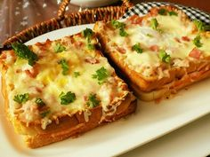 Lasagna, Quiche, Mashed Potatoes, Toast, Breakfast, Ethnic Recipes, Food, Relax, Plants
