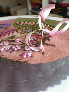 Humming Needles: embroidery Threaded needle with two colors of ribbon
