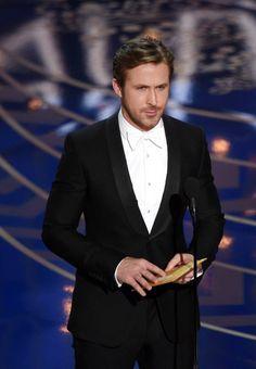アカデミー賞の授賞式にグッチのタキシードで登場したライアン・ゴズリング