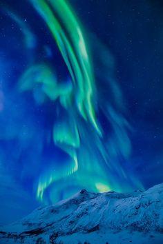 aurora angel / 500px )