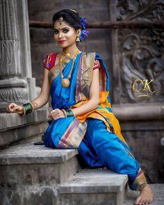 Stylish Girl Images, Beautiful Women Pictures, Beautiful Girl Photo, Beautiful Girl Indian, Beautiful Saree, Maharashtrian Saree, Marathi Saree, Marathi Nath, Marathi Bride
