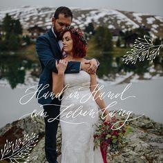 Zur Danksagung nach der Hochzeit verschickt man am besten persönliche Dankeskarten an die Hochzeitsgäste. Die besten Tipps dazu findet Ihr hier. Sequin Skirt, Sequins, Bride, Couple Photos, Couples, Wedding Dresses, Blog, Fashion, Wedding Thanks