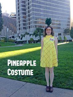 A sweet and simple Halloween costume. Homeade Halloween Costumes, Tree Halloween Costume, Halloween Fun, Halloween Snacks, Food Costumes, Teacher Costumes, Diy Costumes, Costume Ideas, Pineapple Costume Diy