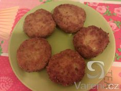 Recept na chutnou variaci bramboráků z mrkve ve tvaru karbanátků nebo tlustších placek. Pro porci pro více osob ingredience jednoduše násobíme.