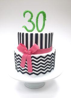 Geburtstagstorte schwarz - weiß Birthdaycake Black & white Desserts, Food, Birthday Cake Toppers, Monochrome, Baking, Tailgate Desserts, Meal, Deserts, Essen