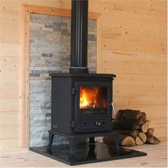 Wood burning stove perfect for keeping log cabins and summerhouses nice and toasty all year round