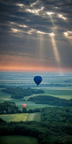 Vers le soleil (toward the sun) ...ballooning in Champagne