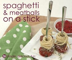 Spaghetti & Meatballs on a Stick │A cute and clever bite-sized spaghetti and meatball recipe. Appetizer Dips, Appetizer Recipes, Party Recipes, Tastefully Simple Recipes, Spaghetti And Meatballs, Your Soul, Spaghetti Recipes, Finger Foods, Easy Meals