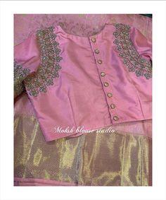 Pattu Saree Blouse Designs, Fancy Blouse Designs, Bridal Blouse Designs, Neckline Designs, Saree Blouse Patterns, Stylish Blouse Design, Designer Blouse Patterns, Kurti Designs Party Wear, Embroidery Blouses