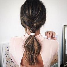 Metà treccia, metà coda. #Hairinspo, via Instagram.