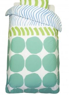 marimekko is great inspiration for one day making my own bed linen. Home Textile, Textile Design, Fabric Design, Scandinavia Design, Calming Colors, Fabric Rug, Textiles, Linen Bedding, Bed Linen