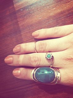 love the middle ring. Mid Rings, All That Glitters, Perception, Beautiful Things, Gemstone Rings, Middle, Gemstones, Jewels, Accessories