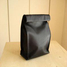 """紙袋のような革袋""""Sack"""" Lサイズ ブラック"""