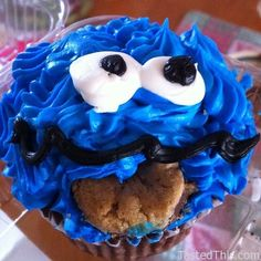 Cookie Monster Cupcake - http://www.tastedthis.com/2013/03/01/cookie-monster-cupcake-4/