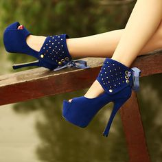Delicate Hollow-out Ribbon Bowknot Women's High Heel Prom Shoes 10713649 - Prom Shoes - Dresswe.Com