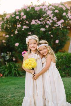 Flower girls with boho style.