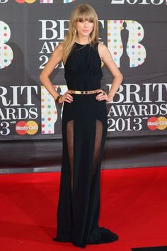 #TopshopPromQueen i loved the bottom of this dress, how it shows the legs, also the neckline is very fashionable at the moment, i really love it