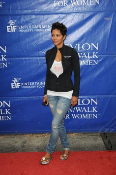 halle berry jeans and white shirt