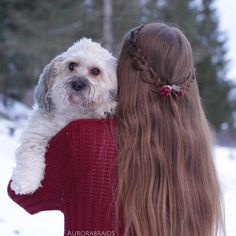 Loop braidback on myself, together with our dog Beatrice Hope you all are having a nice day! -Mia