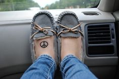 Peace hippie shoes <3 via | Hippies Hope Shop www.hippieshope.com
