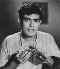 Sanjeev Kumar in the Movie Bombay by Nite - 1970 Sanjeev Kumar, Indian Star, Rare Pictures, Hindi Movies, Bollywood Stars, Celebs, Celebrities, Best Actor, Indian Outfits