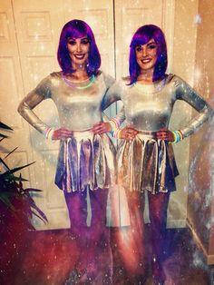 Alien Halloween costume for girls. #diy #costumeforfriends #matchingcostumeforgirls