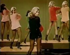 Nancy Sinatra, These Boots Are Made For Walkin' (1966)