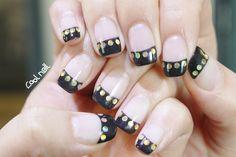 #coolnail #blacknail #frenchnail #fwnail #grittergelnail  블랙시크 젤네일  블랙 컬러를 한번도 시도해보지 못한 분들. 프렌치를 이용해서 깔끔하고 세련되게 시작해보세요~ 반짝이는 손톱을 위해금색 스팽글을  프렌치 라인에 넣어주니 너무 이쁘죠^^