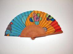 Abanico de seda pintado a mano-Abanico para bodas-Damas de Hand Fan, Wedding Giveaways, Painted Silk, Painted Fan, Hearts Of Palms, Board, Slip On, Hand Fans, Fan