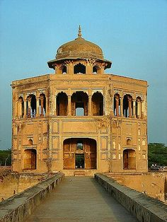 25 x 25 Hiran Minar pavilion, Sheikhupura, Pakistan Pakistan Art, Pakistan Travel, Lahore Pakistan, Pakistan Pictures, Delhi India, New Delhi, Mughal Architecture, Beautiful Places To Visit, Incredible India