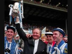 It's A Praise For Sheffield Wednesday - YouTube