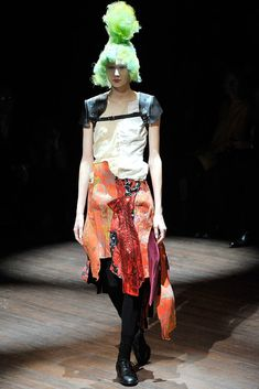 Comme des Garçons Spring 2010 Ready-to-Wear Fashion Show - Eugenia Skvortsova (NATHALIE)