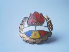 Vintage firefighting romanian badge antique 1980 von VintageMessage, $10.00 Socialist State, Nostalgia, Warsaw Pact, Central And Eastern Europe, Firefighter, Civilization, Childhood Memories, Badge, Money