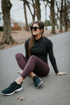 68f244644e89 Black crop top and burgundy workout leggings Cute Workout Outfits