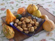 Tökös rozmaringos pogácsakicsi Cukor, Stuffed Mushrooms, Vegetables, Food, Stuff Mushrooms, Meal, Eten, Vegetable Recipes, Meals