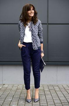 Лето скоротечно, поэтому уже сейчас можно ознакомиться с тем, что приготовил для нас следующий модный сезон. Данная статья поможет вам разобраться какие модели и фасоны брюк будут в моде в этом сезоне и на какие модные тренды стоит обратить внимание именно вам. Модные брюки: все тенденции осень-зима Несмотря на модные тенденции в одежде, покупать модные брюки осень – зима нужно строго по фигуре. Тогда любая модель будет выглядеть модно и стильно, и никто не посмеет вас упрекнуть в отсутствии…