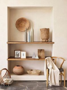 Appearance / simplicity of the built-in shelves .- Aussehen / Einfachheit der eingebauten Regale Appearance / simplicity of the built-in shelves - Decoration Inspiration, Interior Inspiration, Decor Ideas, Bookshelf Inspiration, Room Ideas, Autumn Inspiration, Bathroom Inspiration, Built In Shelves, Built Ins