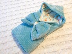 2in1 Baby Sleeping Bag : 11 Steps (with Pictures) - Instructables Bow Pillows, Small Pillows, Baby Wrap Blanket, Baby Shower Bingo, Baby Warmer, Baby Wraps, Cute Bunny, Sleeping Bag, Soft Fabrics