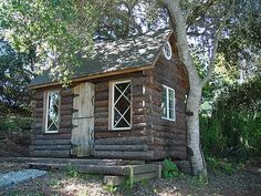 California Custom Sheds - Log Cabin